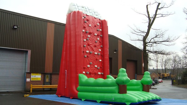 Secondhand Inflatable climbing wall