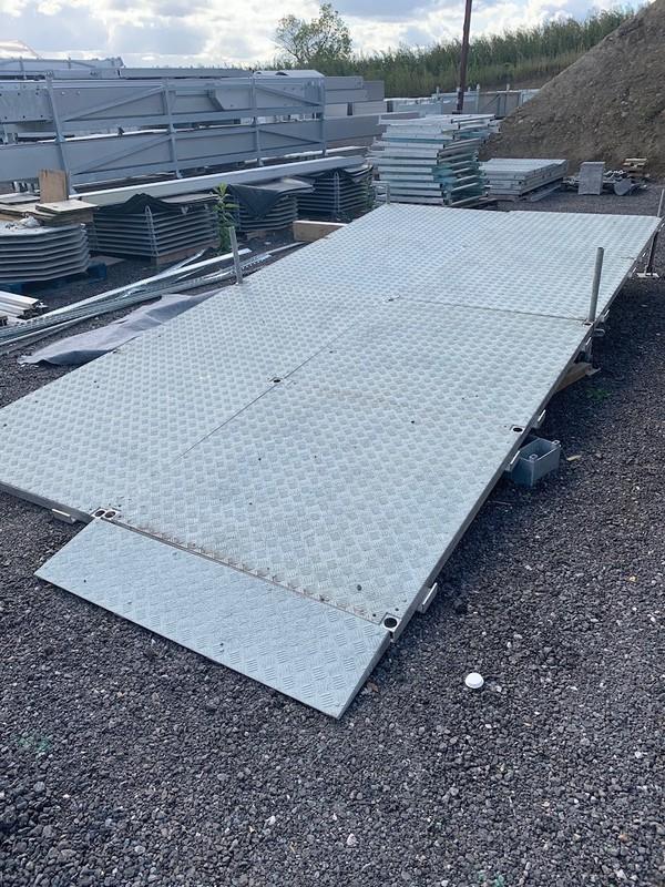 Modular ramp or staging system