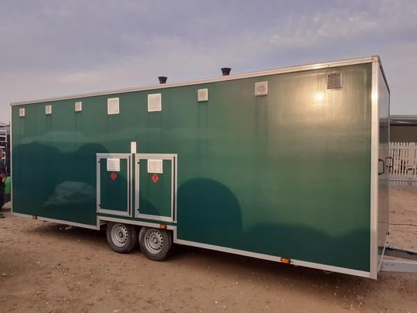 Large shower trailer festivals