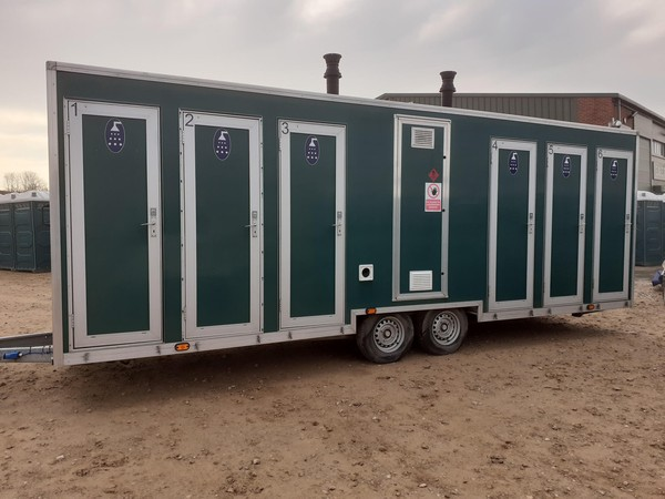 Six bay shower trailer for sale
