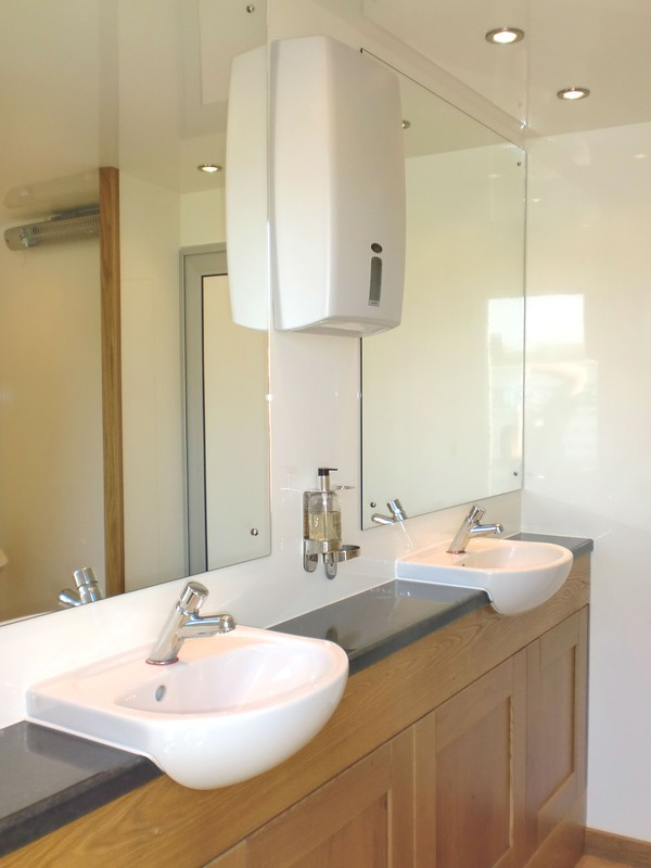 Luxury toilet trailers for sale