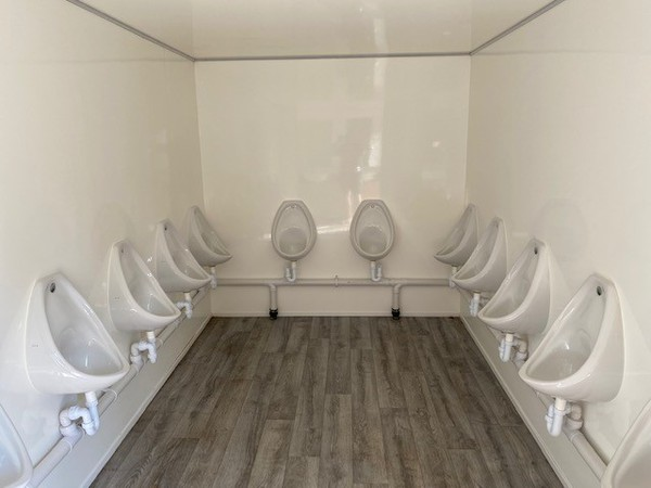 12x Urinal gents toilet trailer