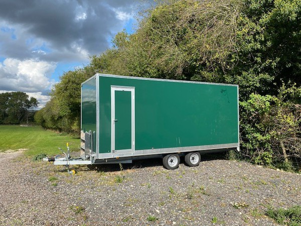 Gents only toilet trailer