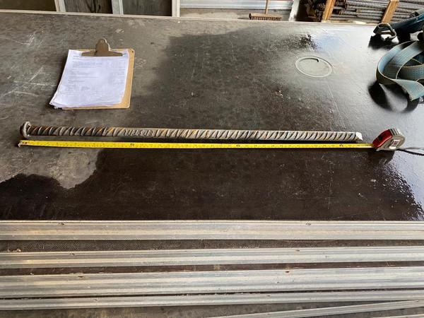 1m Long steel pegs