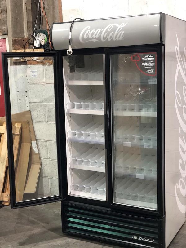 True Double Door Display Drinks Cooler
