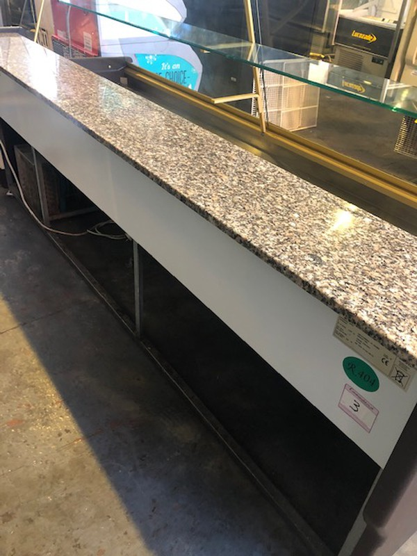 Used Zoin 2.5M Serve Over Display Counter