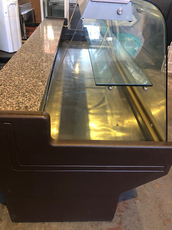 Zoin 2.5M Serve Over Display Counter