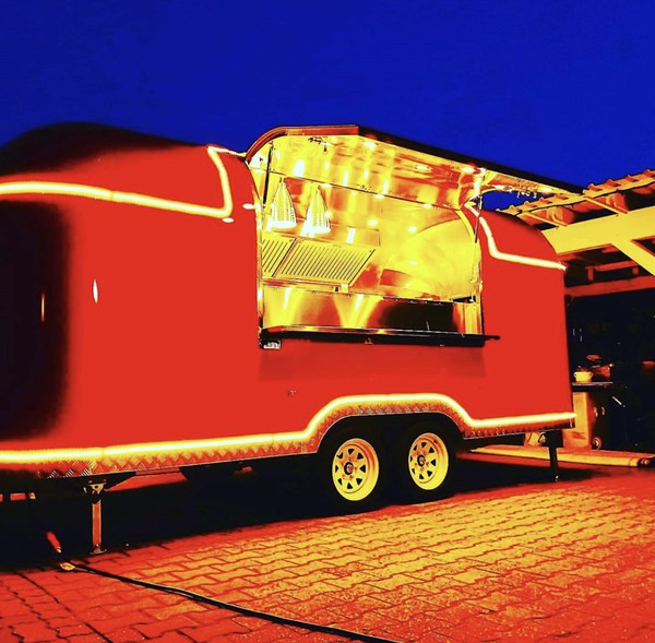 Burger trailer for sale - Airstream