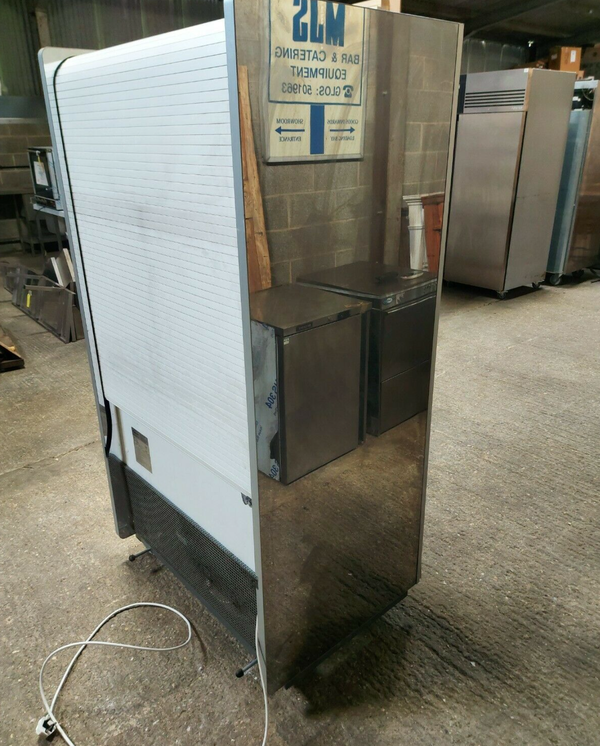Secondhand multideck fridge