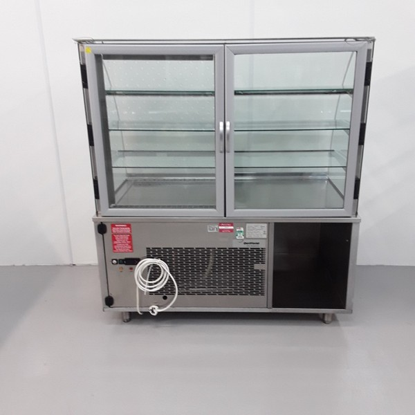 Used Chilled Ambient Cake Display