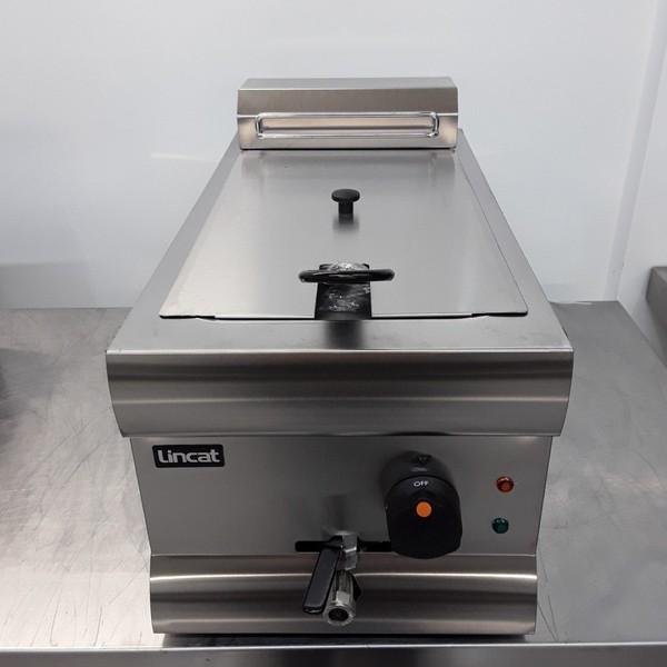 Single tank electric fryer