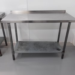 1.22m x 0.61m stainless steel table