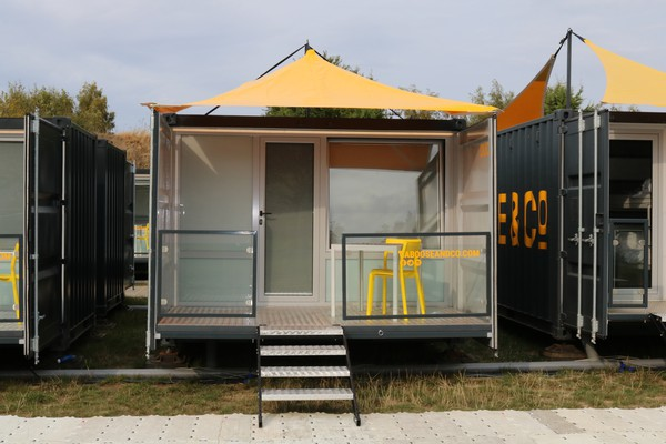 20ft Shipping container home from home