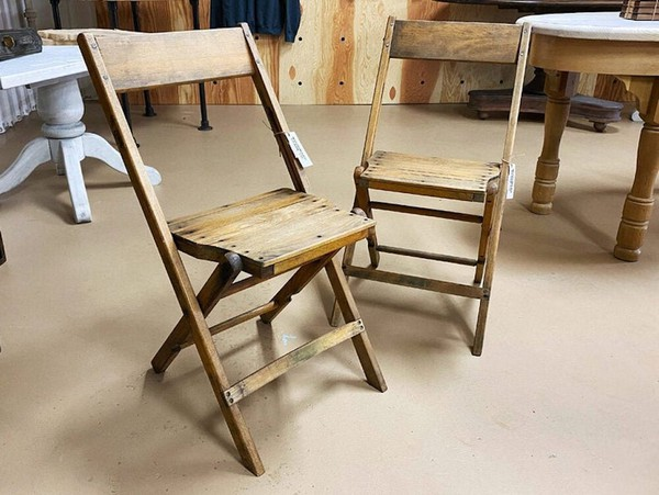 40's wooden folding chairs