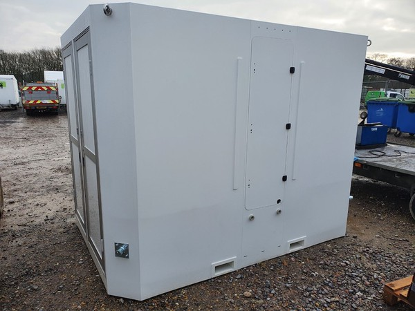 Brand New 2021 Gigloo 4 Bay Shower Unit