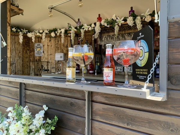 Serving hatch - Gin bar - Horse box trailer