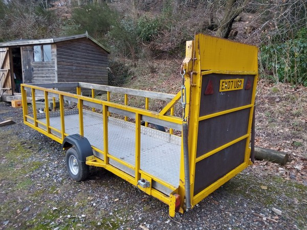 Buy Used Flatbed / Plant Trailer Single Axle