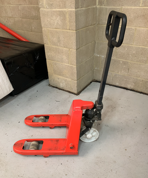 Narrow pallet truck for sale