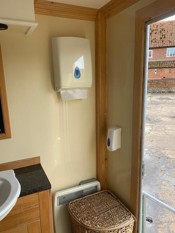 Luxury Toilet 3+1 - Norwich, Norfolk 19