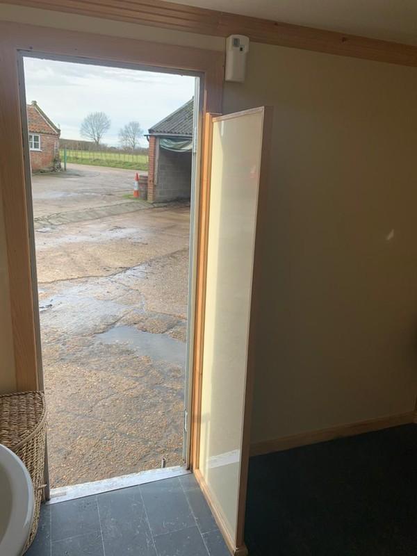 Luxury Toilet 3+1 - Norwich, Norfolk 18