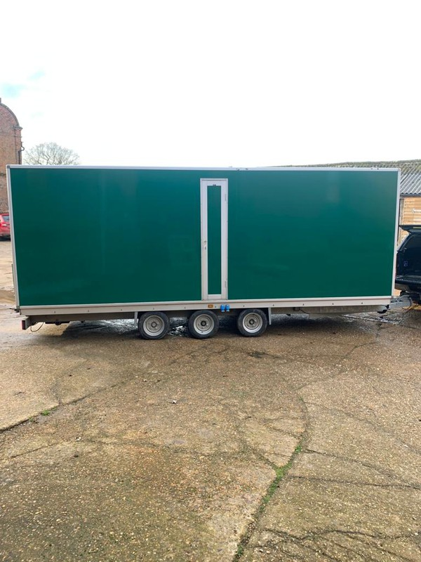 Luxury Toilet 3+1 - Norwich, Norfolk 11