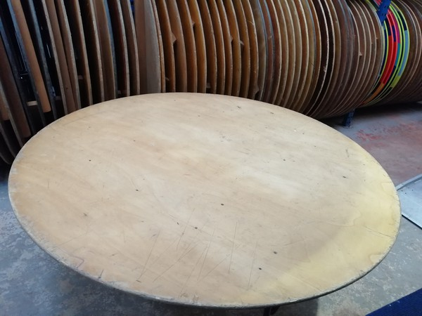 6Ft Round tables with American legs for sale