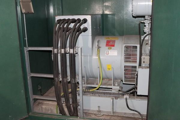 Dale 700kVA Synch Generator interior