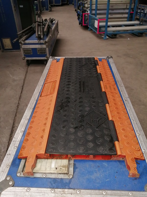 Cable ramps / protection