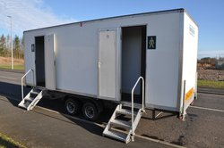 Event toilet trailer with stepps