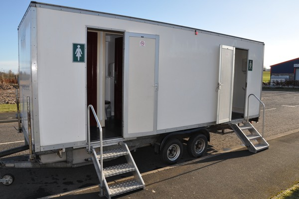 Large toilet trailer for sale
