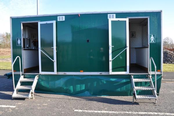 Toilet trailer aluminium steps