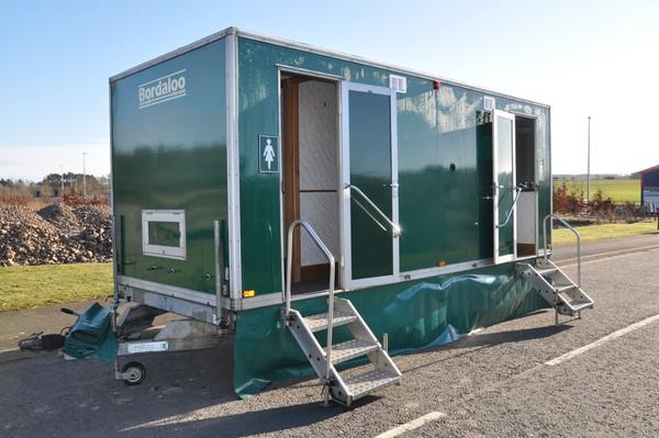 Twin wheel toilet trailer for sale