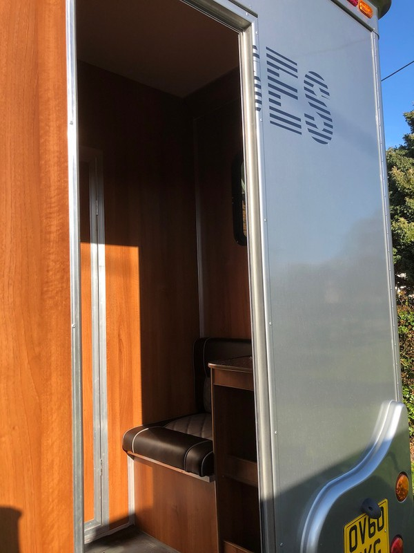 Horsebox Lorry for Large Horse