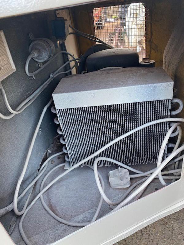 Freezer heat dump