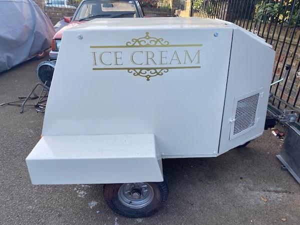 Trailer Ice cream stall 230v