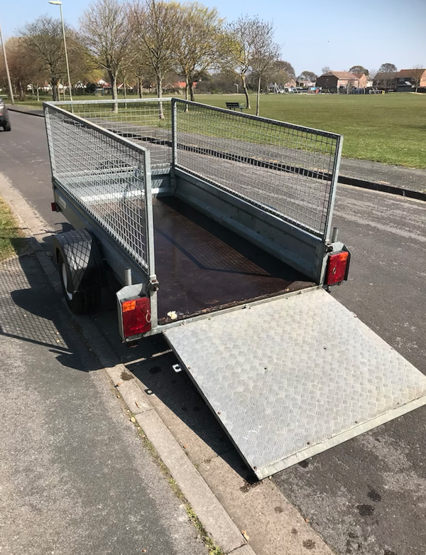 Used Indespension cage trailer with Ramp