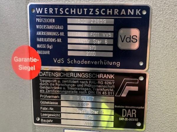 Wertschutzschrank safe for sale