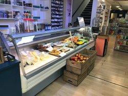 Shop display serve over fridge 3.2m