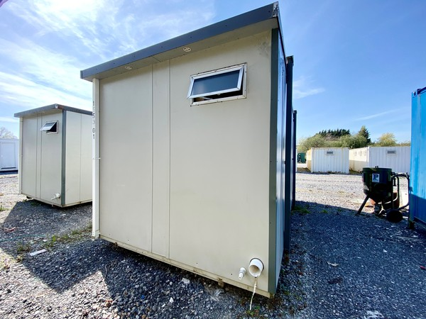 Mains connected ladies toilet block for sale