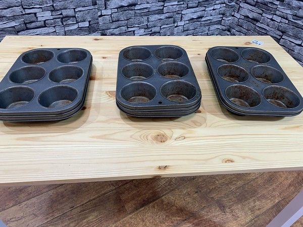 Secondhand baking trays
