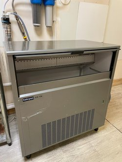 Halcyon ICE 130 Ice machine for sale