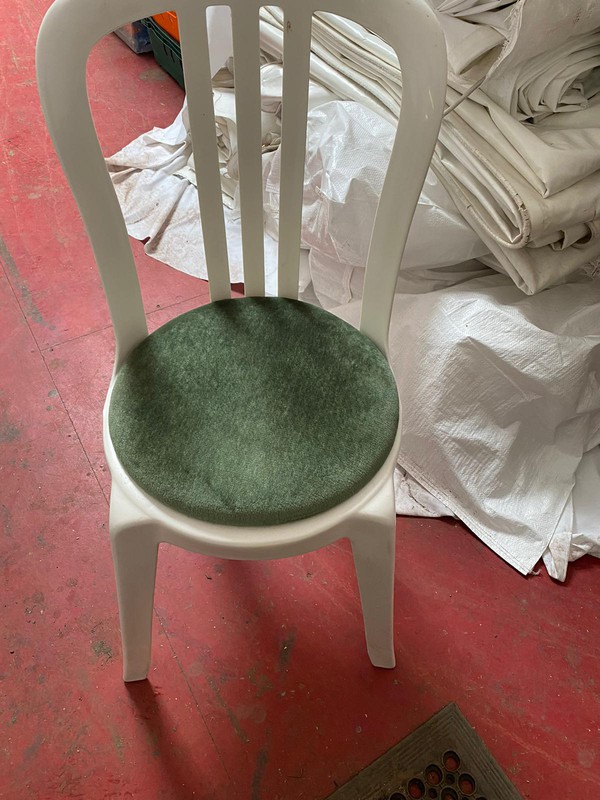 Seat pads for bistro chairs