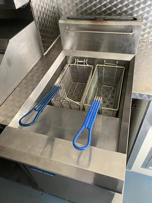Twin basket LPG fryer