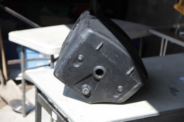 35mm internal pole-mounting speaker