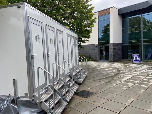 6 bay toilet trailer trailer for sale