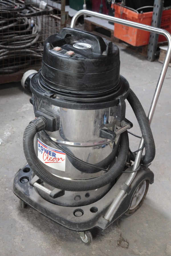 Industrial Vacuum cleaner by Sealey