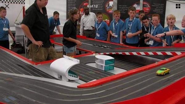 Giant Car Racing Game