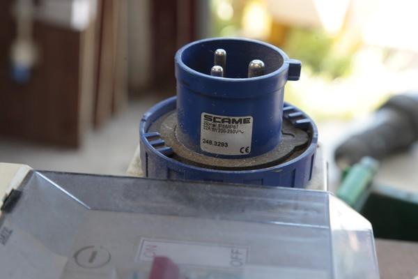 32 Amp single phase plug
