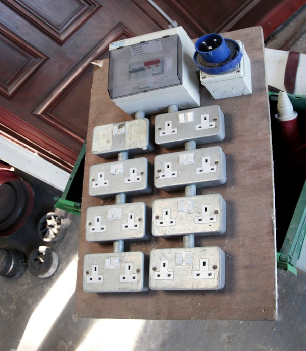 32 Amp to 16x 13 amp sockets