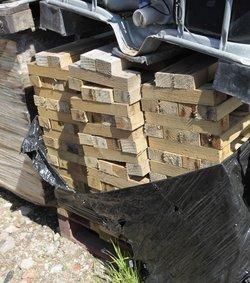 Floor levelling blocks